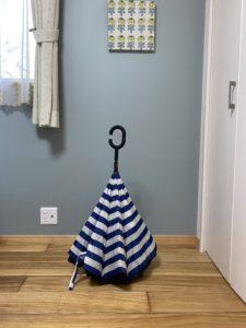 逆さま傘の画像
